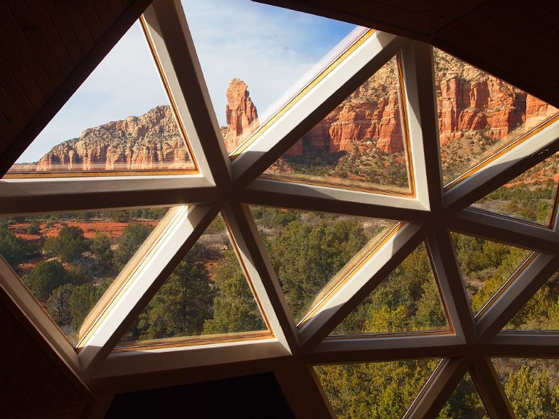 Stunning Sedona Geo Dome Retreat with awesome Red Rock views!, alquiler de vacaciones en Sedona