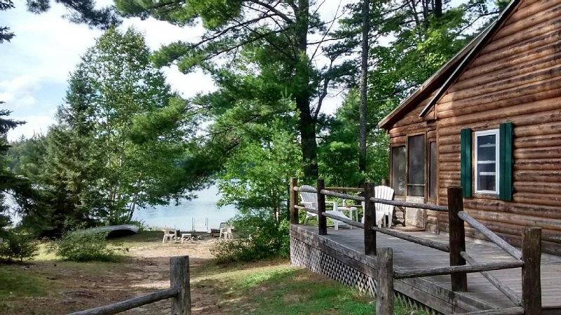 Secluded Lakefront Natural Retreat ~ Bring Your ATV's, Great Fishing ~ Privacy!, vacation rental in Seney