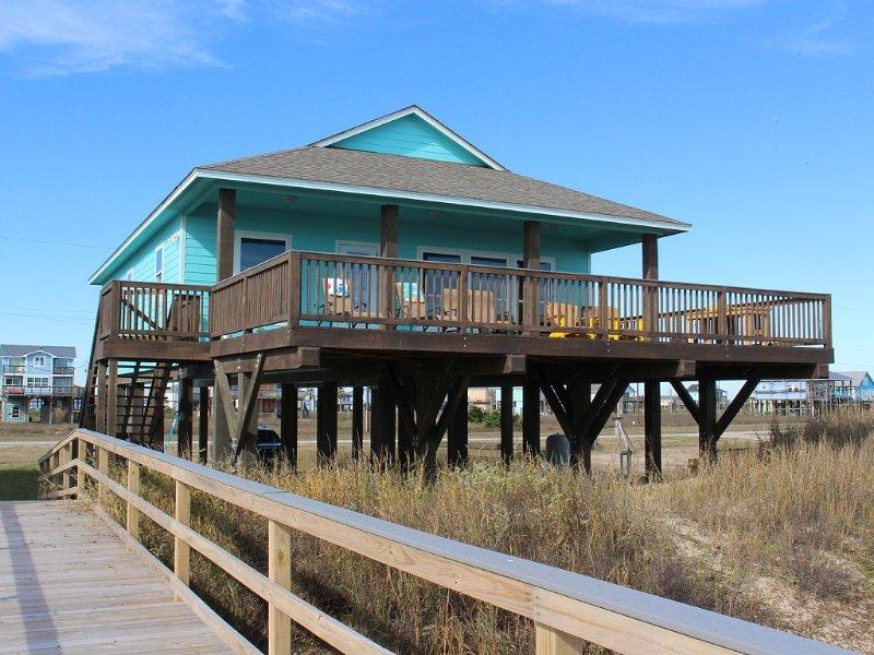 La Belle a BEACHFRONT Escape - Sleeps 12 - 4Bedroom, 4Bath - Dune Walkover, location de vacances à Freeport