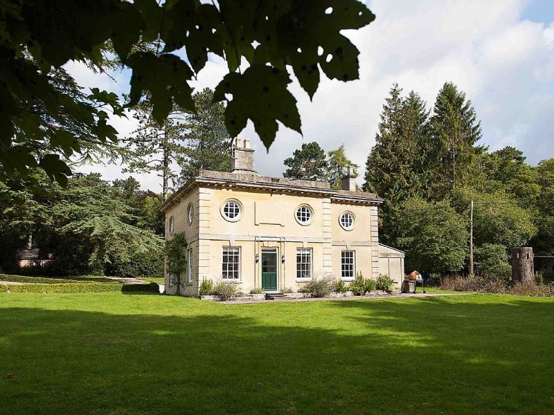 5★ RENOVATED LUXURY COTTAGE IN BLENHEIM PALACE PARK, THE COTSWOLDS, aluguéis de temporada em Tackley