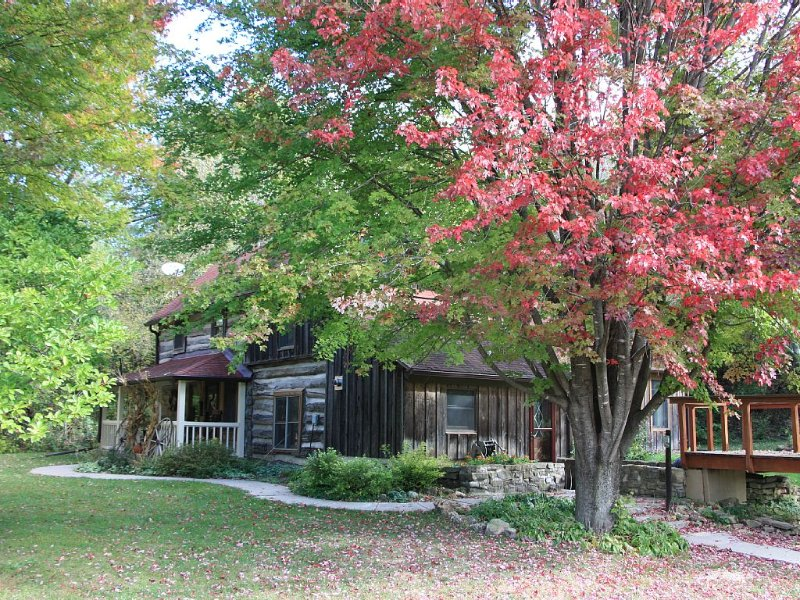 Relax Amidst Nature On Clear Creek, vacation rental in Iowa