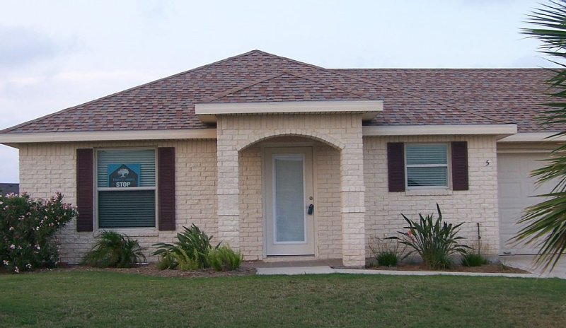 Best Of Both Worlds - Beach And Golf!, vacation rental in Brownsville