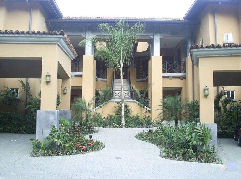 Beautiful Condo in the Heart of Los Suenos Resort, alquiler de vacaciones en Herradura