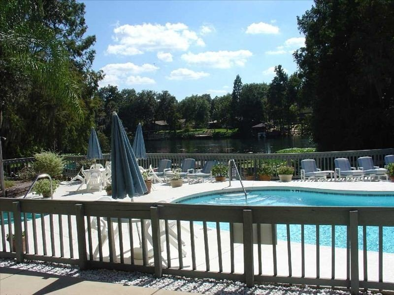 First Floor Pool Front, vakantiewoning in Dunnellon