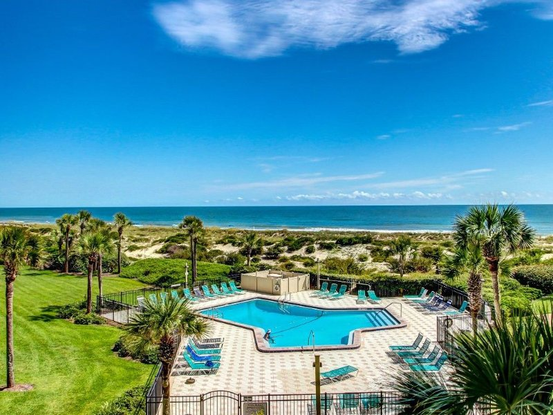 Spectacular Ocean views in an Immaculate, Beach Front Condo!, aluguéis de temporada em Fernandina Beach