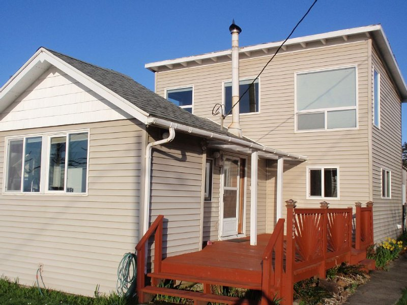 Close to the Beach!  Ocean View, holiday rental in Cape Meares
