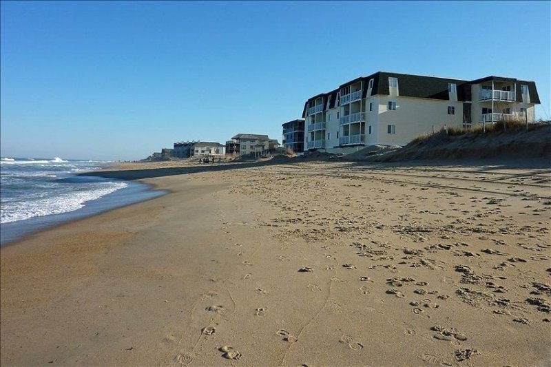 Oceanfront Condo~Outer Banks North Carolina~LOWERED RATES~Pool, holiday rental in Kill Devil Hills