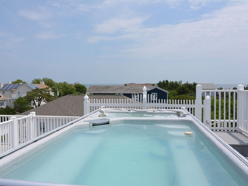 Roof Top POOL and HOT TUB SPA overlooking OCEAN and Rehoboth Bay!