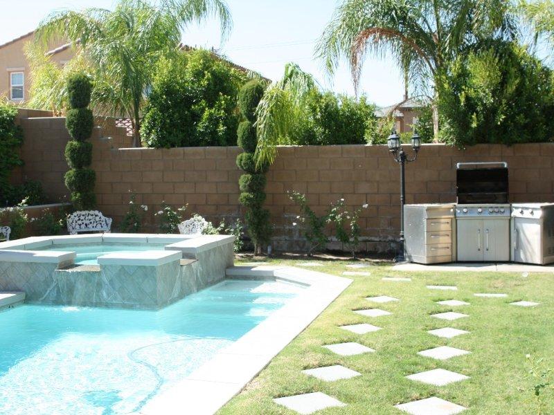4 bedroom 4 bath luxury home in gated community - Dolce, alquiler de vacaciones en Palm Desert