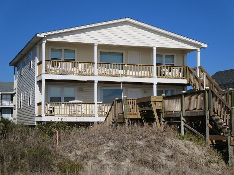 Oceanfront 4-8 Bedroom Duplex (Top), alquiler de vacaciones en Holden Beach
