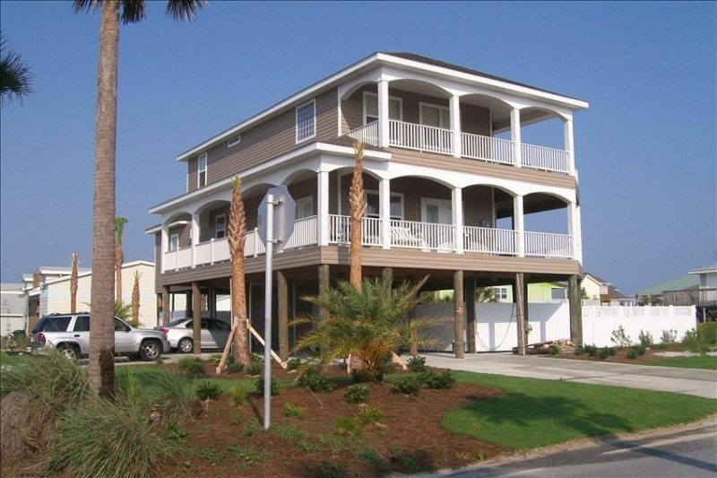 Pensacola Beach 5 Bedroom Home.  Special Rates through the end of May., vacation rental in Pensacola Beach