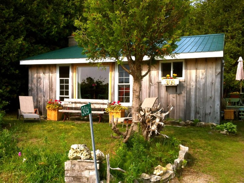 Cozy Cottage Near Sauble Beach, 3 Br 2 Bath, Gorgeous Swimming & Fabulous Sunset, alquiler de vacaciones en Bruce County