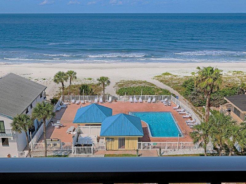 BeachFront Penthouse, Paradise found.  Pet Friendly, 2nd condo avail see 1070120, casa vacanza a Redington Shores