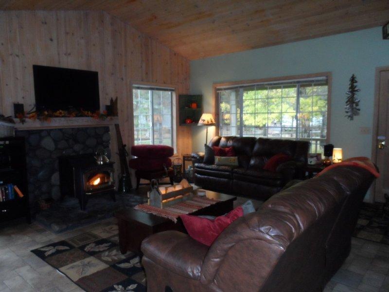 Cozy, Family Friendly, 3 Bedroom, 2 Bath, Sleeps 8, vacation rental in Sisters