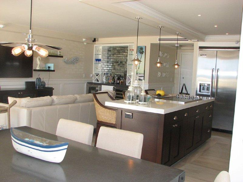 Terrace Level (no need to use elevator) with Ocean View, Coronado Shores, location de vacances à Coronado