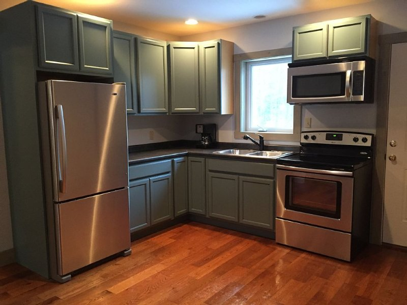 100% Renovated Guest House 3 miles from Sugarbush, holiday rental in Northfield