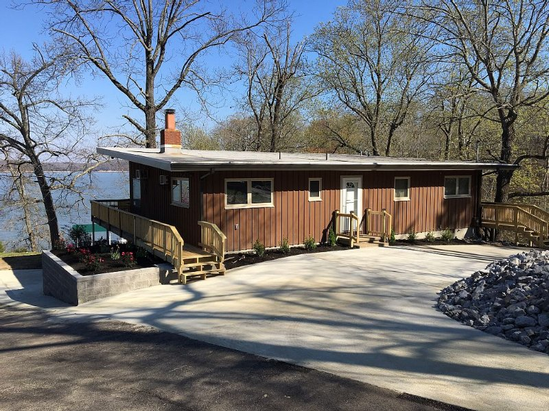 Family-Friendly Home On Kentucky Lake, location de vacances à Bumpus Mills