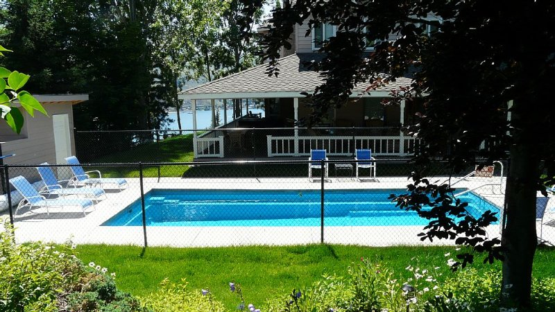 Prime Chelan location w/Commanding View, Pool/spa close to Chelan Golf Course, holiday rental in Chelan