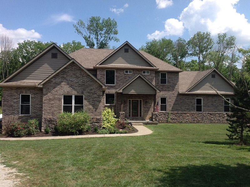 Peaceful Country Home for Big Families, holiday rental in Liberty Township