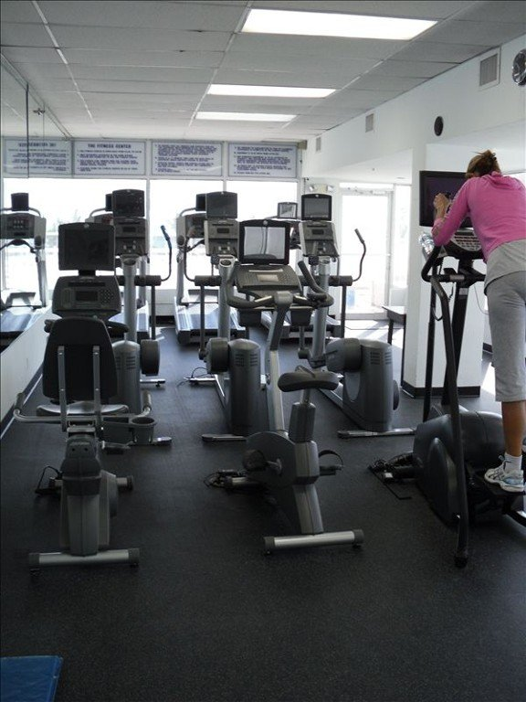 FITNESS CENTER   MANY TREADMILLS, ELLIPTICALS, ETC