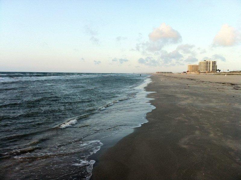 Beach bara ett kvarter från Beach Club condo.