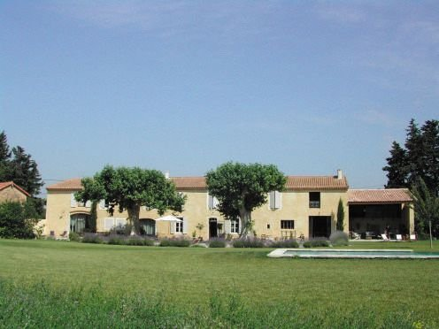 Gorgeous Authentic 17th Post Relay Property in Provence -, holiday rental in Saint Saturnin les Avignon