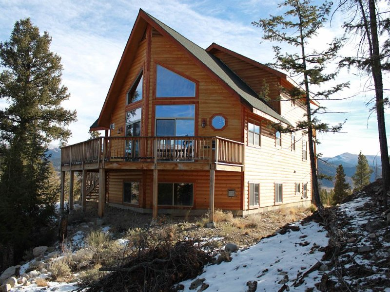 Beautiful Family And Pet Friendly Mountain Cabin, holiday rental in Twin Lakes