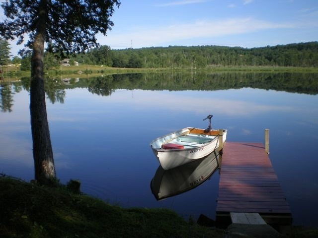 Waterfront Cabin on Quiet Fishing Lake., holiday rental in Sebec