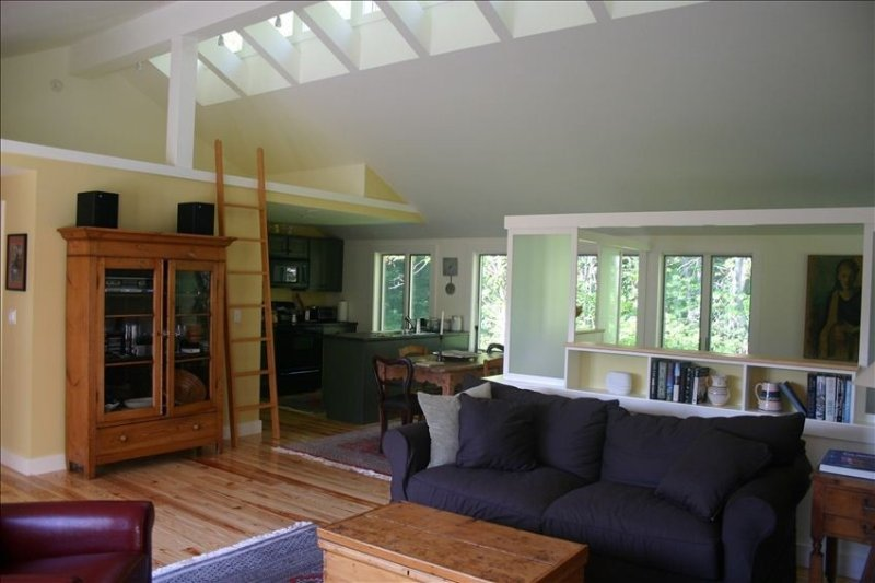 Beautiful & Unique Spacious Studio! Booking now for Winter!, vacation rental in Mount Holly