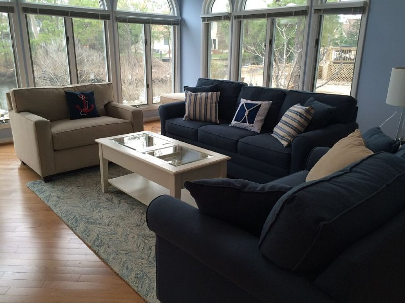 Waterfront Large Gorgeous House, no car needed, holiday rental in Bethany Beach