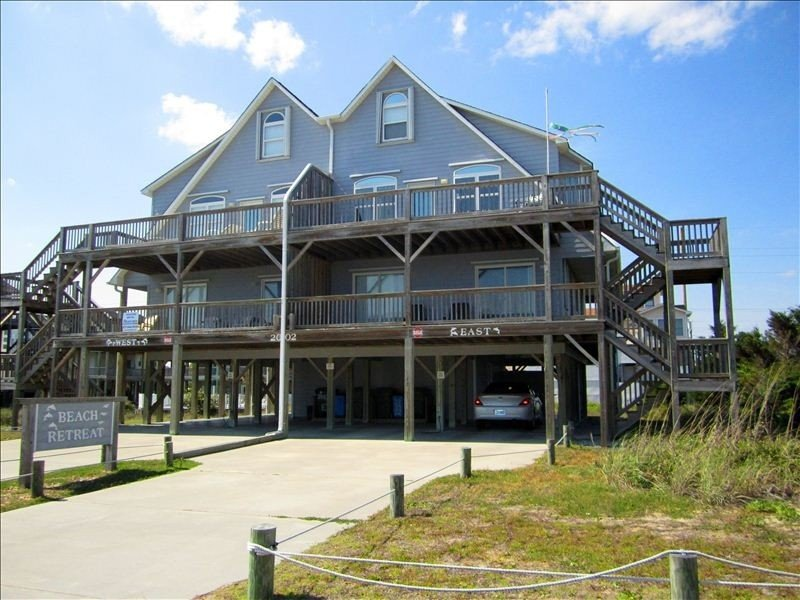 Great Ocean Views and Easy Beach Access! BOOKING NOW for 2021!, vacation rental in Emerald Isle