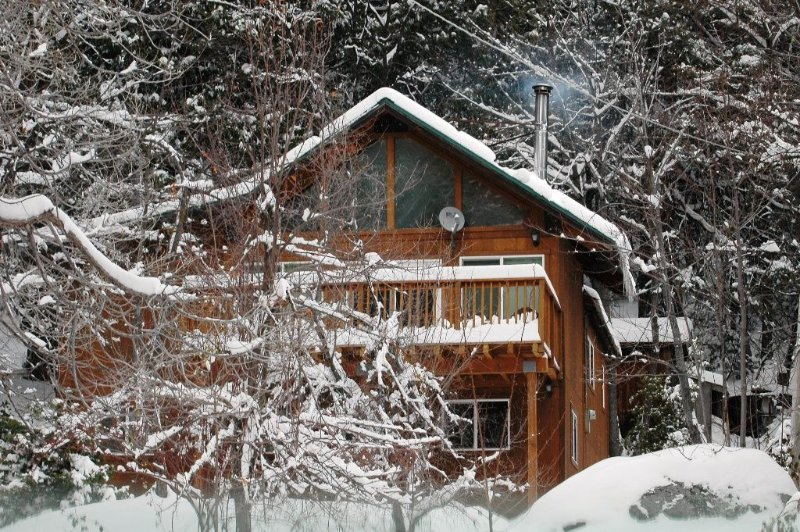 Comfortable Quiet Cabin In A Quaint Mountain Town, alquiler de vacaciones en Blairsden