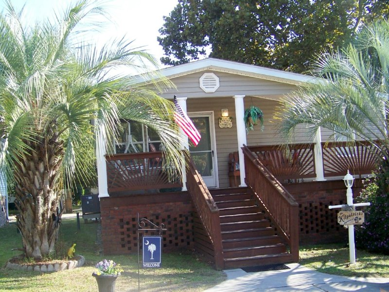 Ocean Lakes MH152 Sleeps 6 To 8  (Reduced off season Rates), holiday rental in Socastee