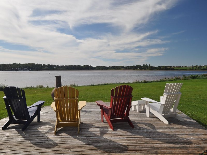 Executive style family cottage on the water, holiday rental in Saint Margarets