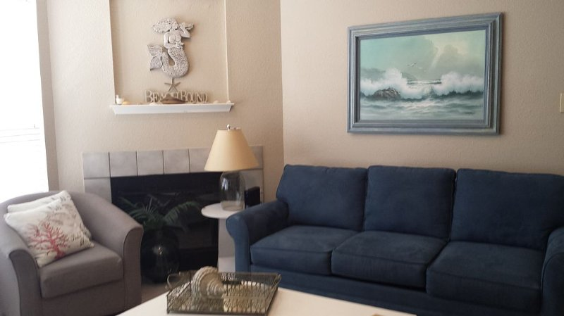 'Island Breeze' is a Cute 1 Bedroom Condo, Walking Distance to the Beach, vacation rental in Corpus Christi