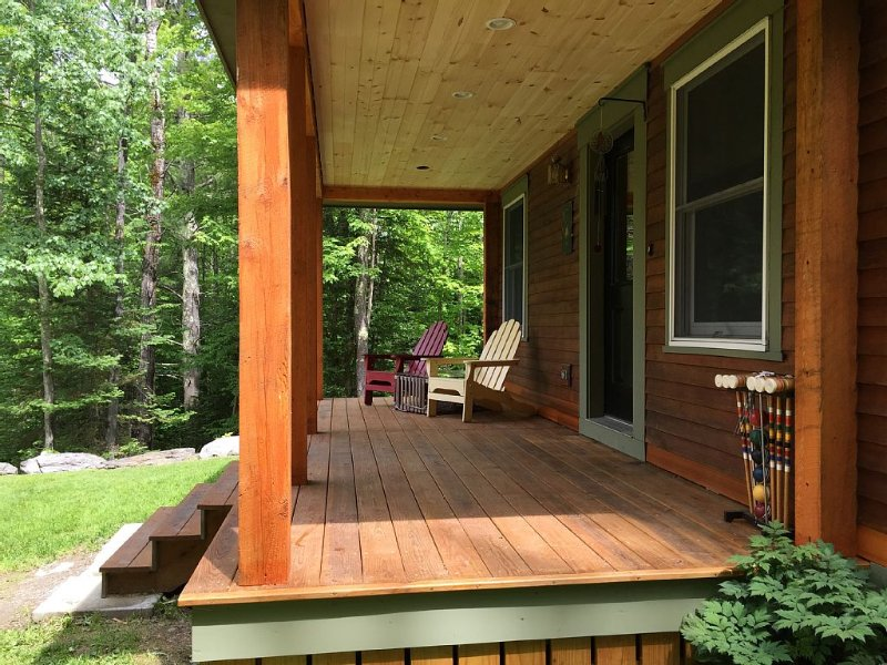 Tranquil Sterling Valley New Englander Just 3.2 Miles from Main Street  Stowe, alquiler de vacaciones en Stowe