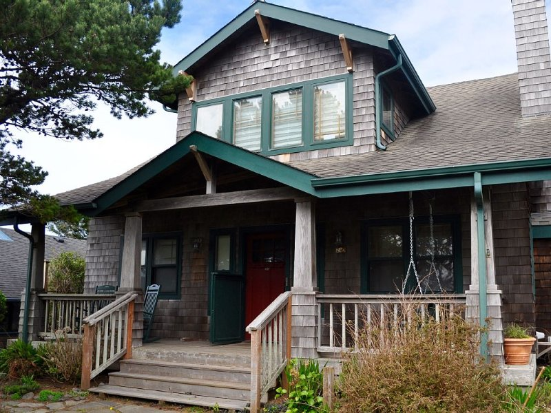 Gorgeous Large Cannon Beach Home, vacation rental in Cannon Beach