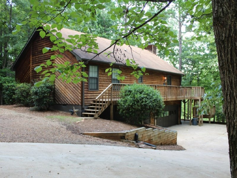 A Cabin in the woods, vacation rental in Eatonton