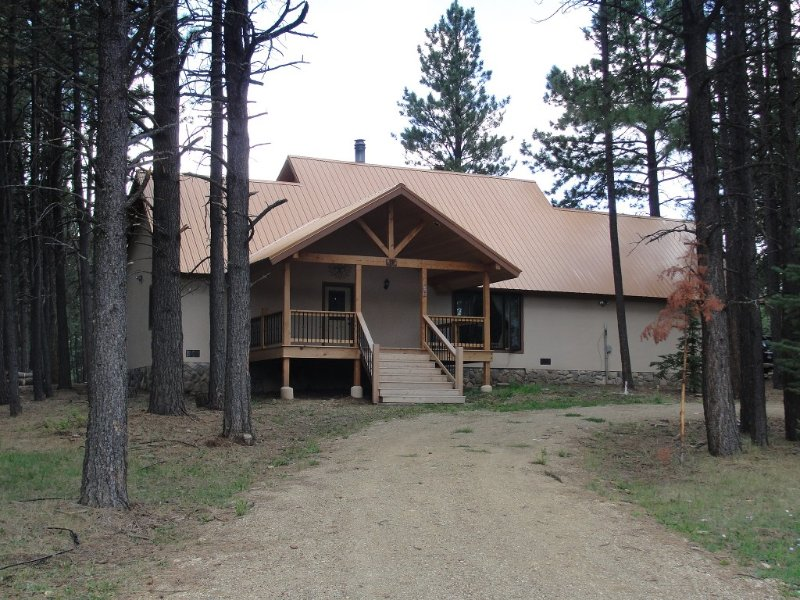 Enchanting Mountain Get-a-Way, 3 Bedroom/3 Bath, vacation rental in Angel Fire