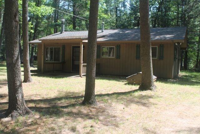 Completely Remodeled June 2018 - Also Furniture, aluguéis de temporada em Higgins Lake