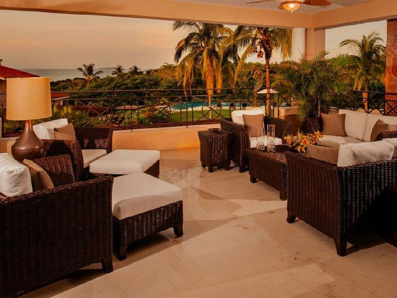 Unique Townhouse 2 Story w/ Easy Pool Access, Premier Golf & Beach!, vacation rental in Punta de Mita