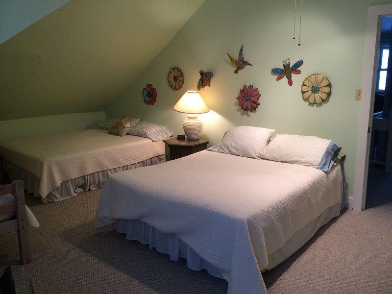 Green Room - sleeps 5
