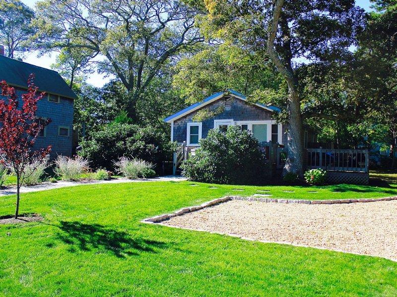 Perfect Stay, 10 Minute Walk to Oak Bluffs, vacation rental in Martha's Vineyard