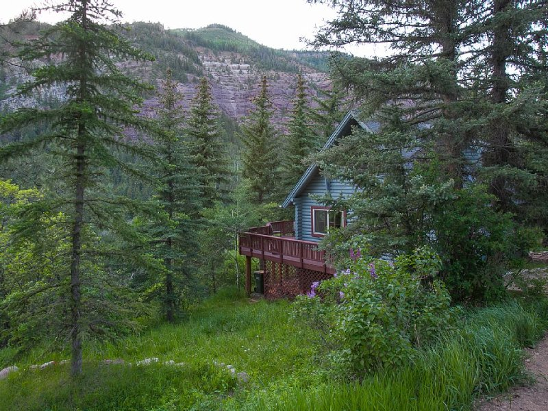 Looking for privacy, quiet, seclusion on your vacation?  Check this out!, vacation rental in Redstone