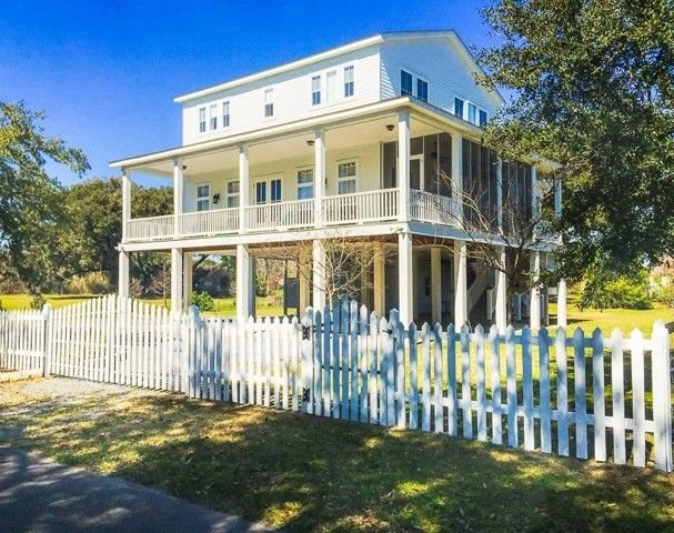 St Charles' Retreat - Exceed your expectations, casa vacanza a Bay Saint Louis