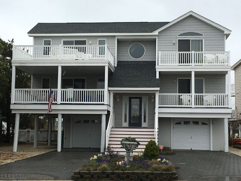Beach House Just Bring Your Boat !!, holiday rental in Long Beach Township