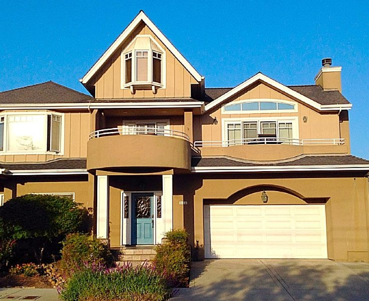 *new*Seabright/harbor, Oceanview,Clean,Spacious,Walking Distance To Everything!, holiday rental in Scotts Valley