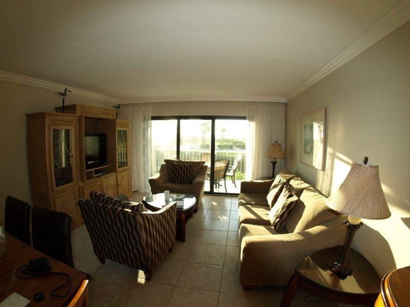 BEACH OPEN South Seas ON the Beach villa king bed sleeper sofa beach items avail, holiday rental in Captiva Island