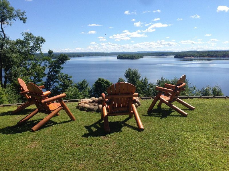 Spectacular views-Adirondack mountain views from every room, pool, kayaks, beach – semesterbostad i Woodgate