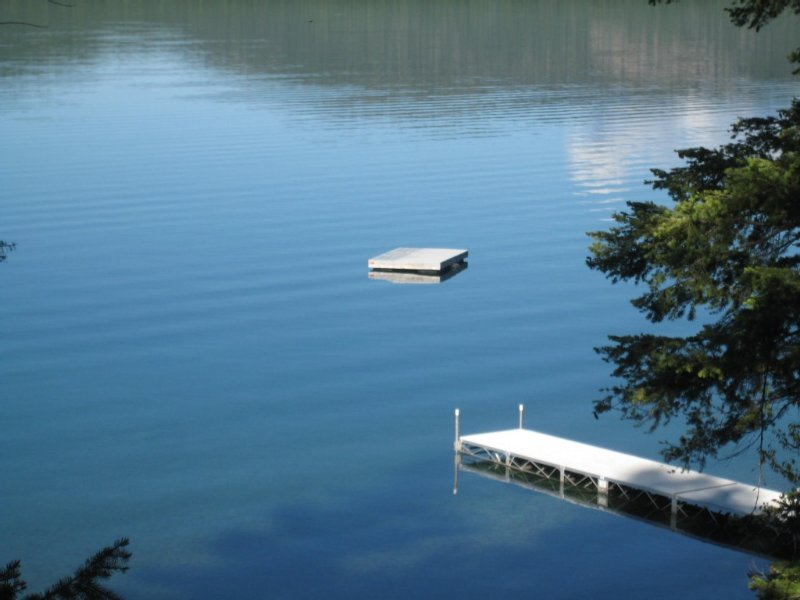 Carriage House On 150 Feet Of Lake Front, location de vacances à Marion